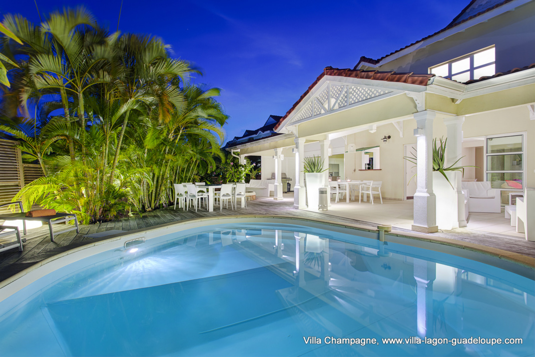 Location villa luxe guadeloupe for Meuble 5 etoiles