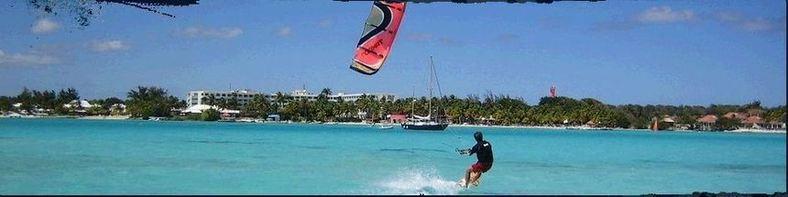activité kite surf sur le lagon de de St François Guadeloupe