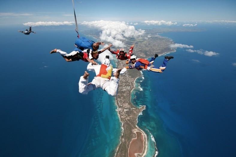 Parachutisme vol libre Guadeloupe au dessus de la Pointe des Chateaux