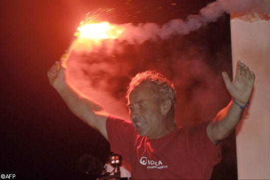 Roland Jourdain (Veolia Environnement ) vainqueur en monocoque de la Route du Rhum - La Banque Postale 2010
