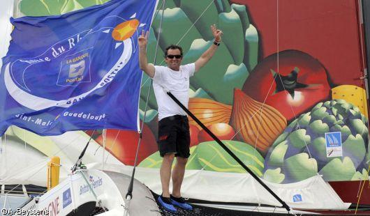 Lionel Lemonchois (Prince de Bretagne) vainqueur en Multi50 de la Route du Rhum guadeloupe - La Banque Postale 2010