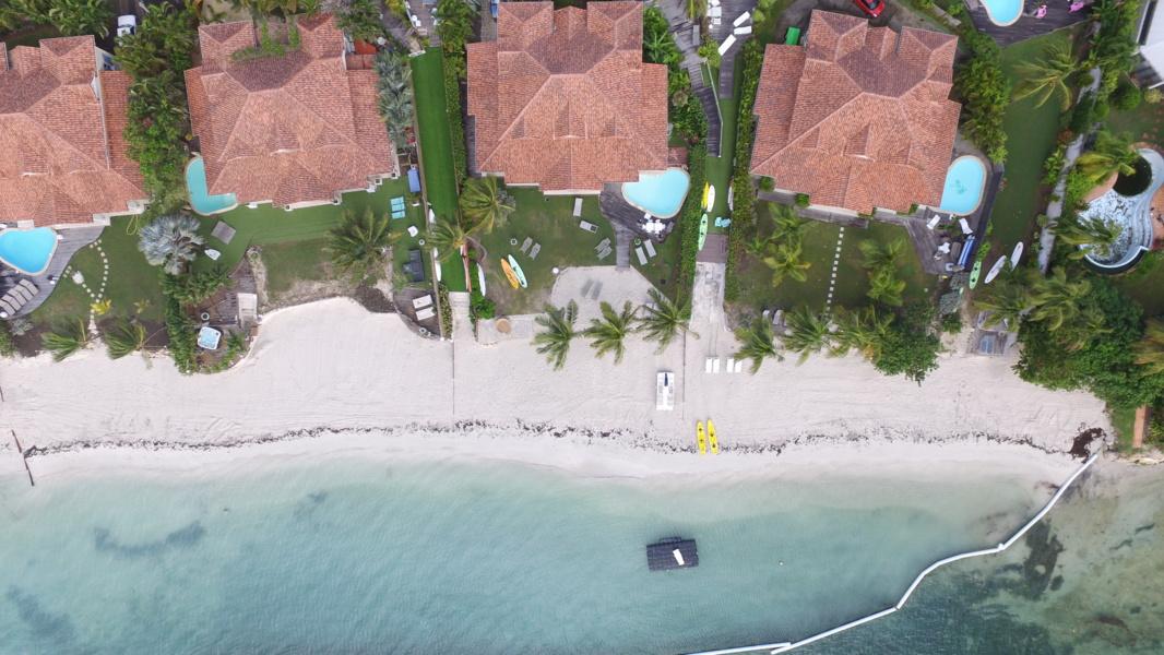 Vue aérienne des villas de luxe en Guadeloupe à Saint François