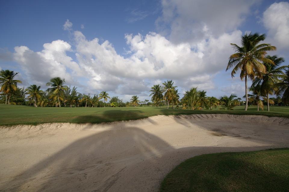Le Golf de Saint François Guadeloupe à 30 mètres des villas de luxe en Guadeloupe