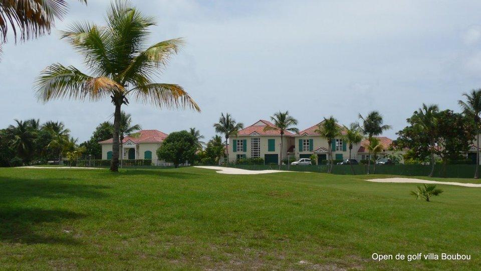 Les villas de luxe devant le golf de saint François Guadeloupe