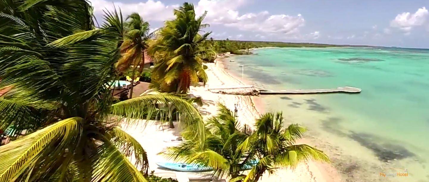 Le Lagon devant les villas Boubou de Guadeloupe