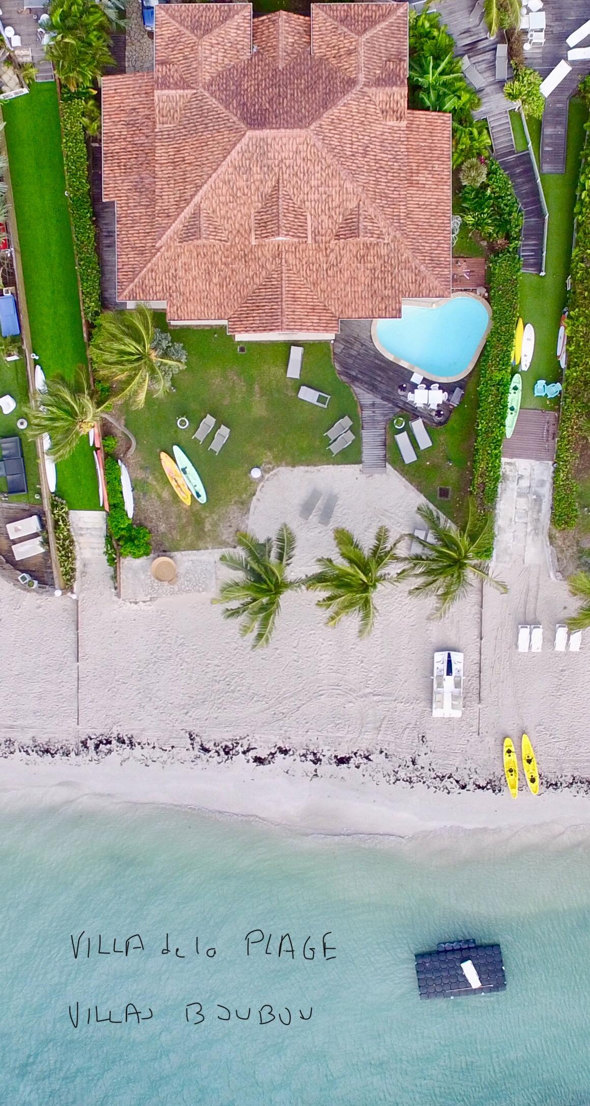 La villa de la plage, les pieds dans l'eau