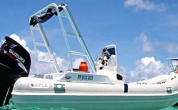 Location de bateaux à moteur, semi rigide en Guadeloupe.