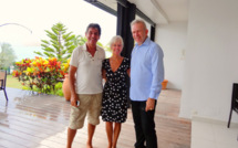 Didier, Nicolle ( la directrice de Villa Boubou) et Jean Paul Gaultier en Guadeloupe