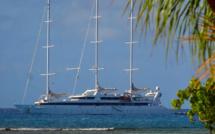 Le Ponant devant le lagon de Saint François en Guadeloupe