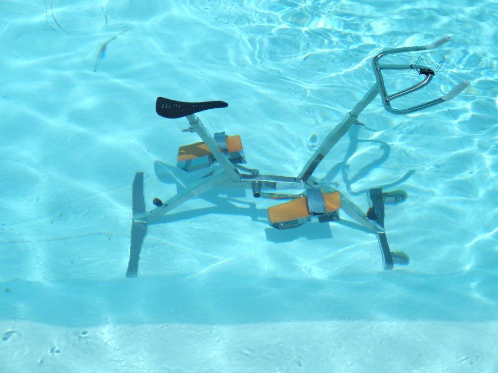 Aquabike dans la piscine de villa boubou for Belle piscine de particulier 10 accueil location de villa en guadeloupe