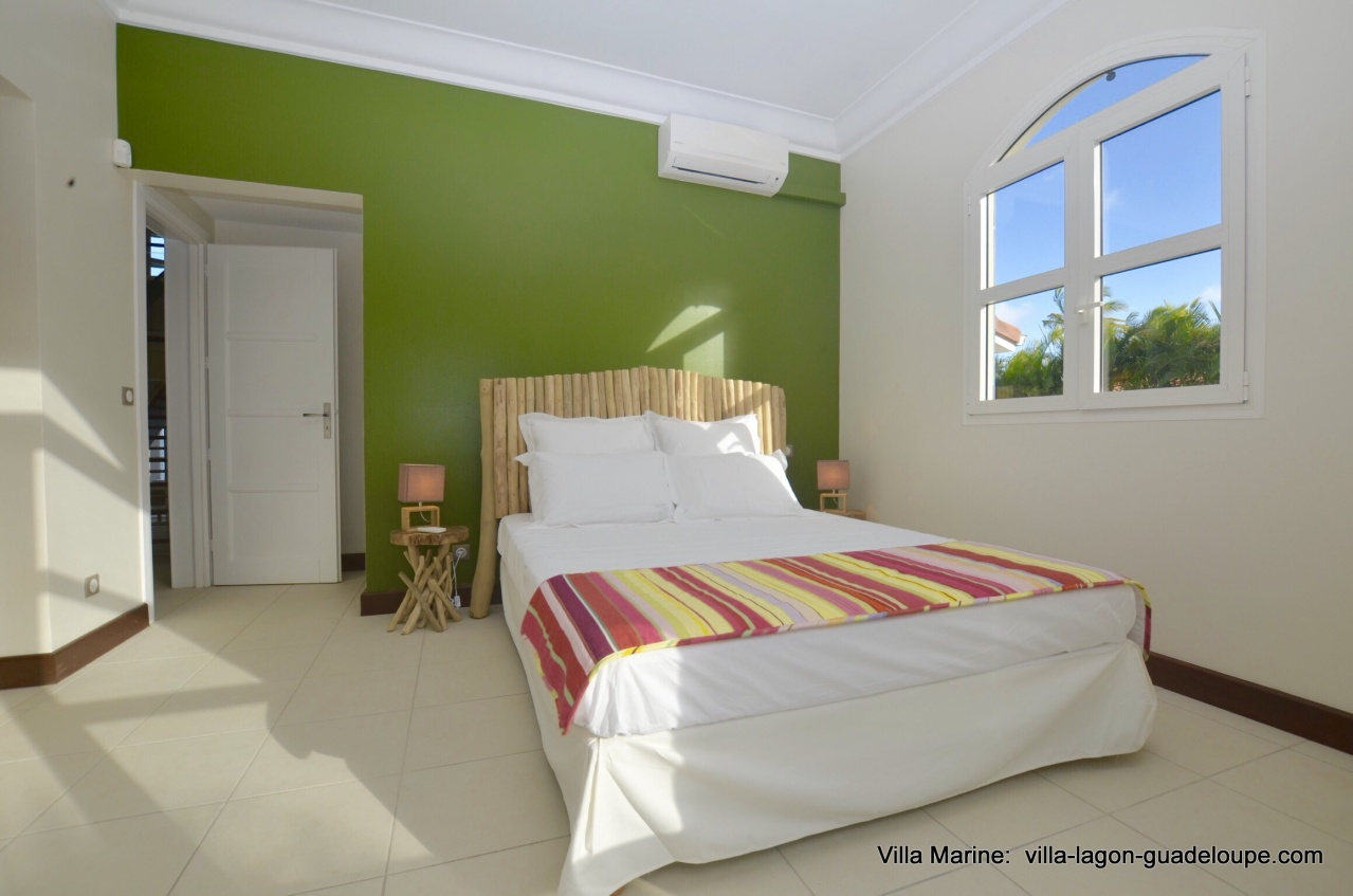 Villamarine 5 chambres location de luxe 10 personnes en for Chambre de commerce guadeloupe