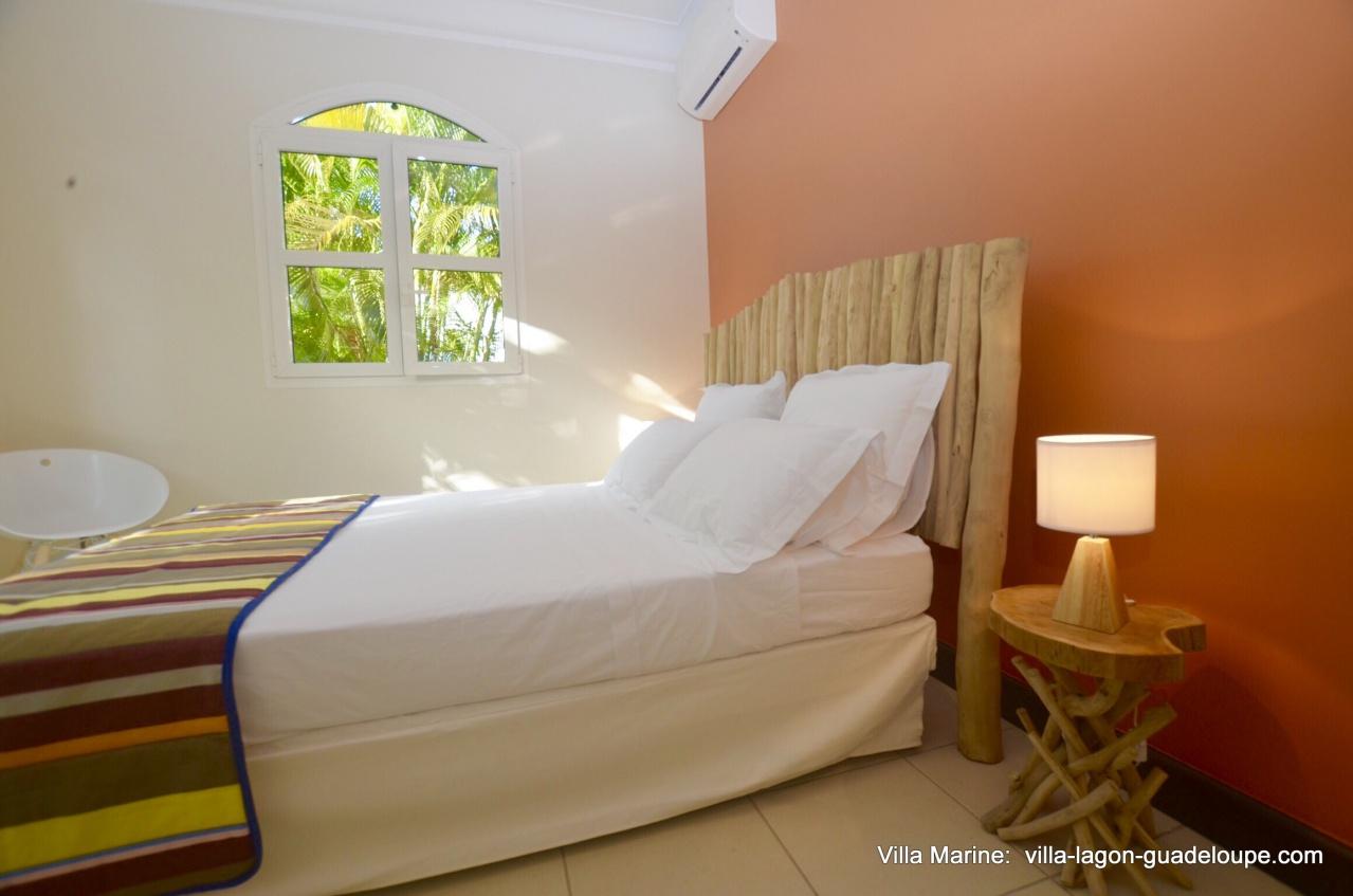 Villa marine location de villas de luxe en guadeloupe for Chambre de commerce guadeloupe